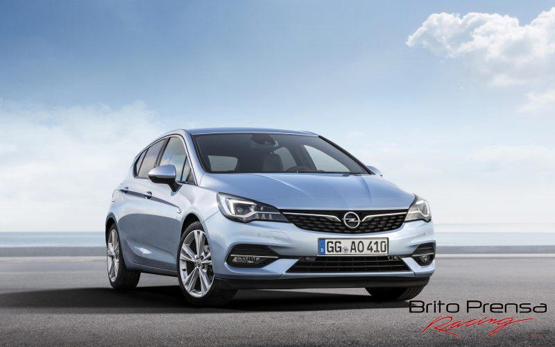 Opel Astra con luz matricial IntelliLux LED®